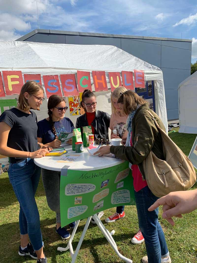 Die Nachhaltigkeits-AG beim Schulfest