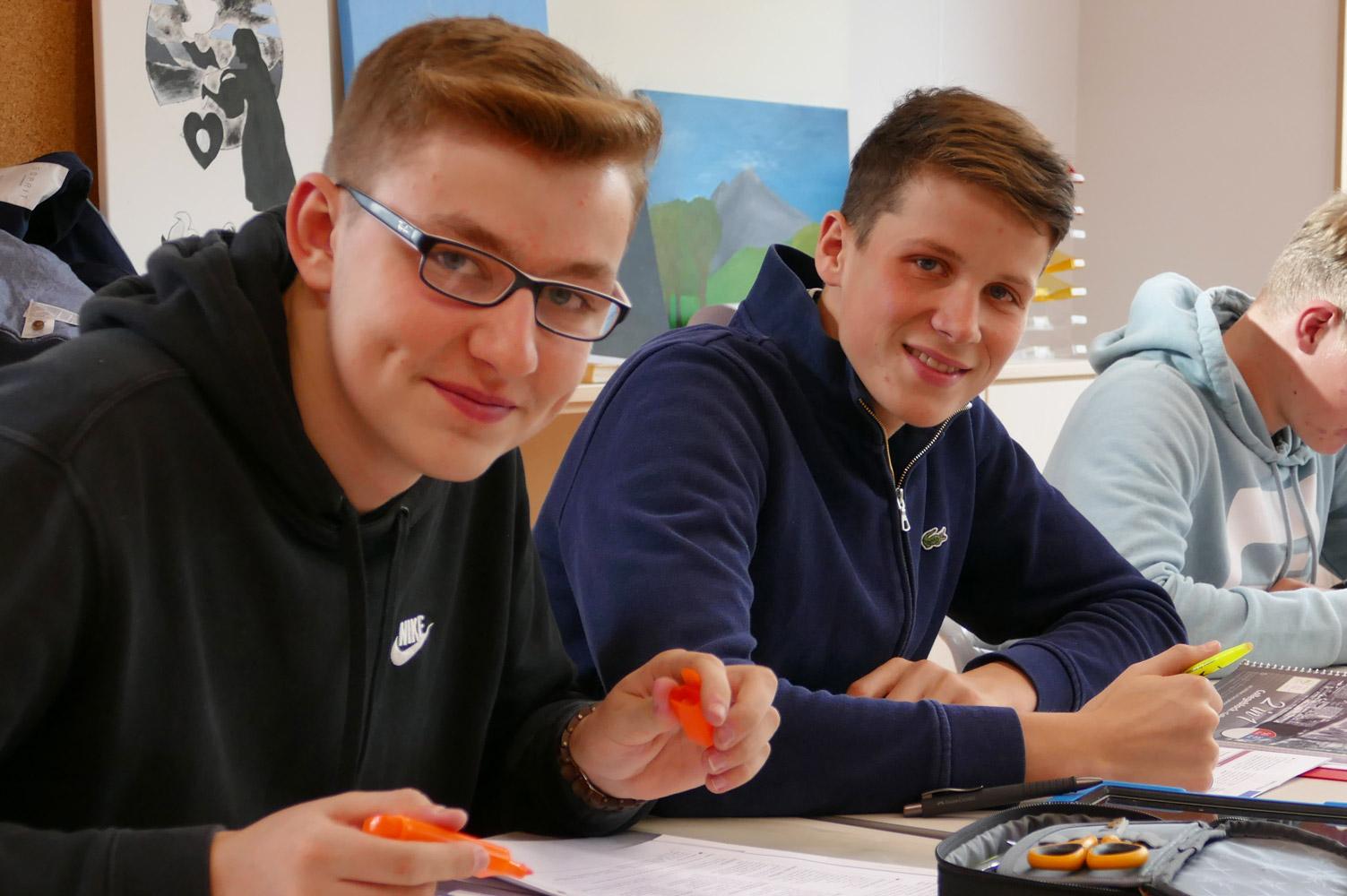 Oberstufenschüler im Deutschunterricht