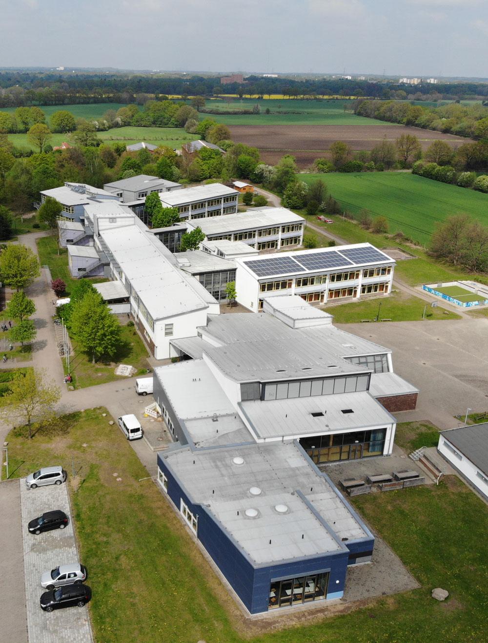 Die Erich Kästner Gemeinschaftsschule von oben